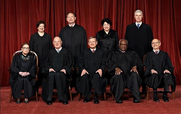 Supreme Court class photo 2017